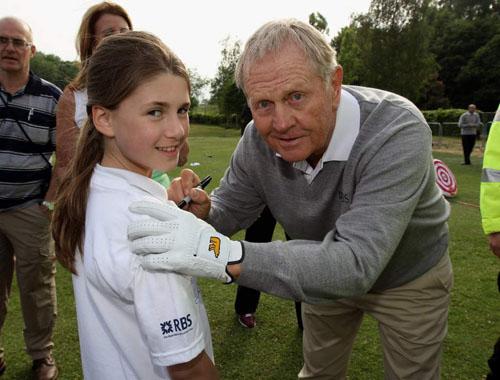 Nicklaus visits Manchester golf range