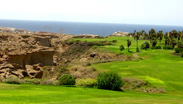 Golf Del Sur flanks the sea and a giant canyon