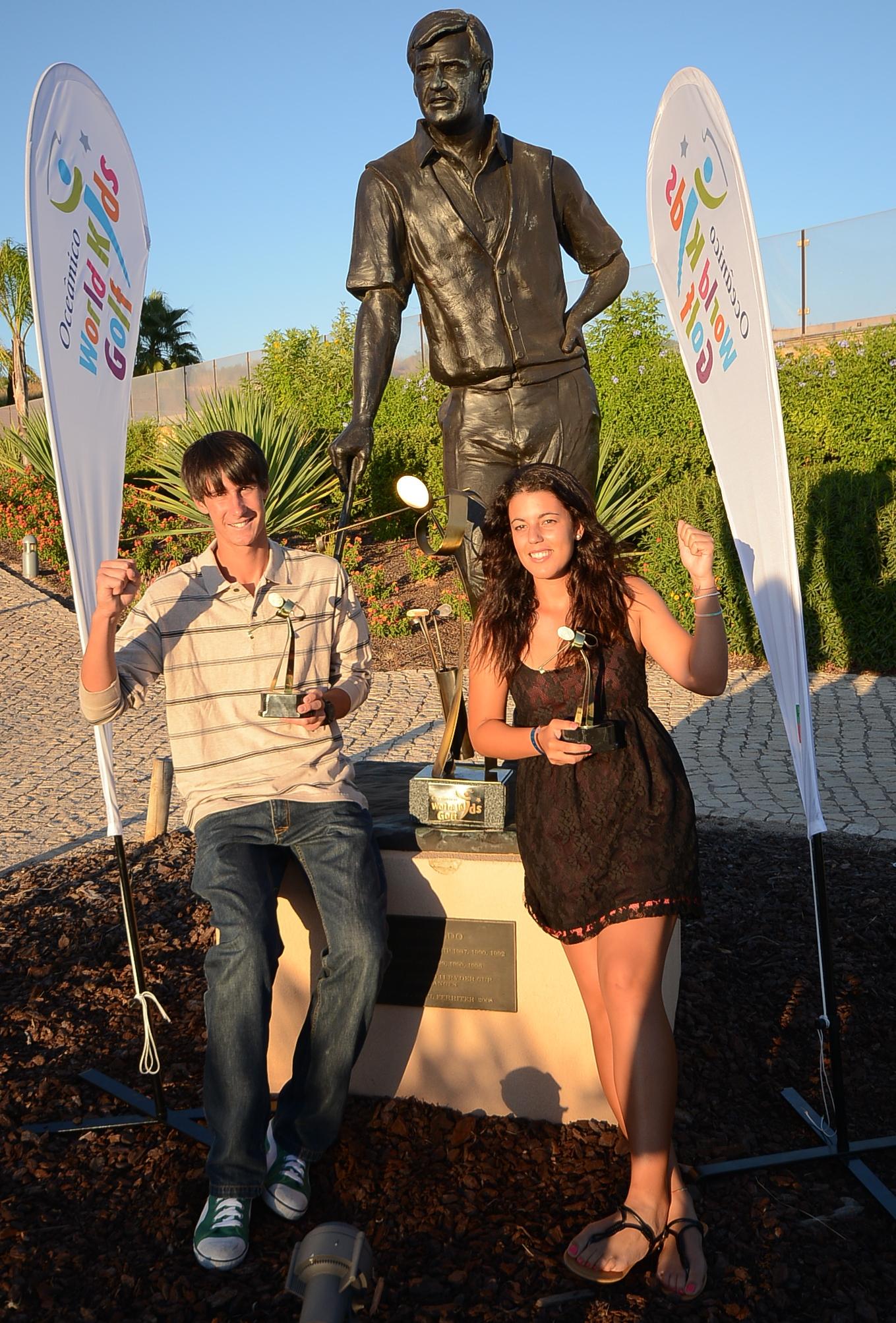 U18 champs Tomás Melo Gouveia and Joana Mota