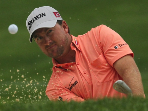 McDowell calls two-shot penalty on himself
