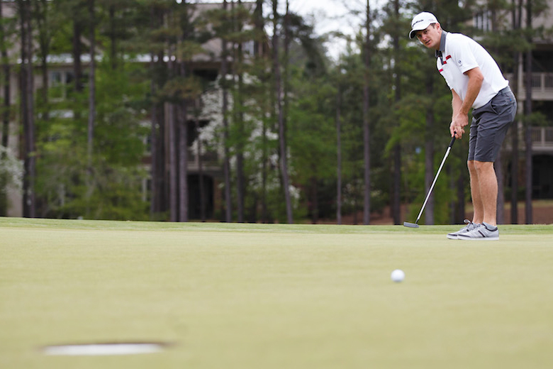 Justin Rose testing out the '15-inch cup' idea