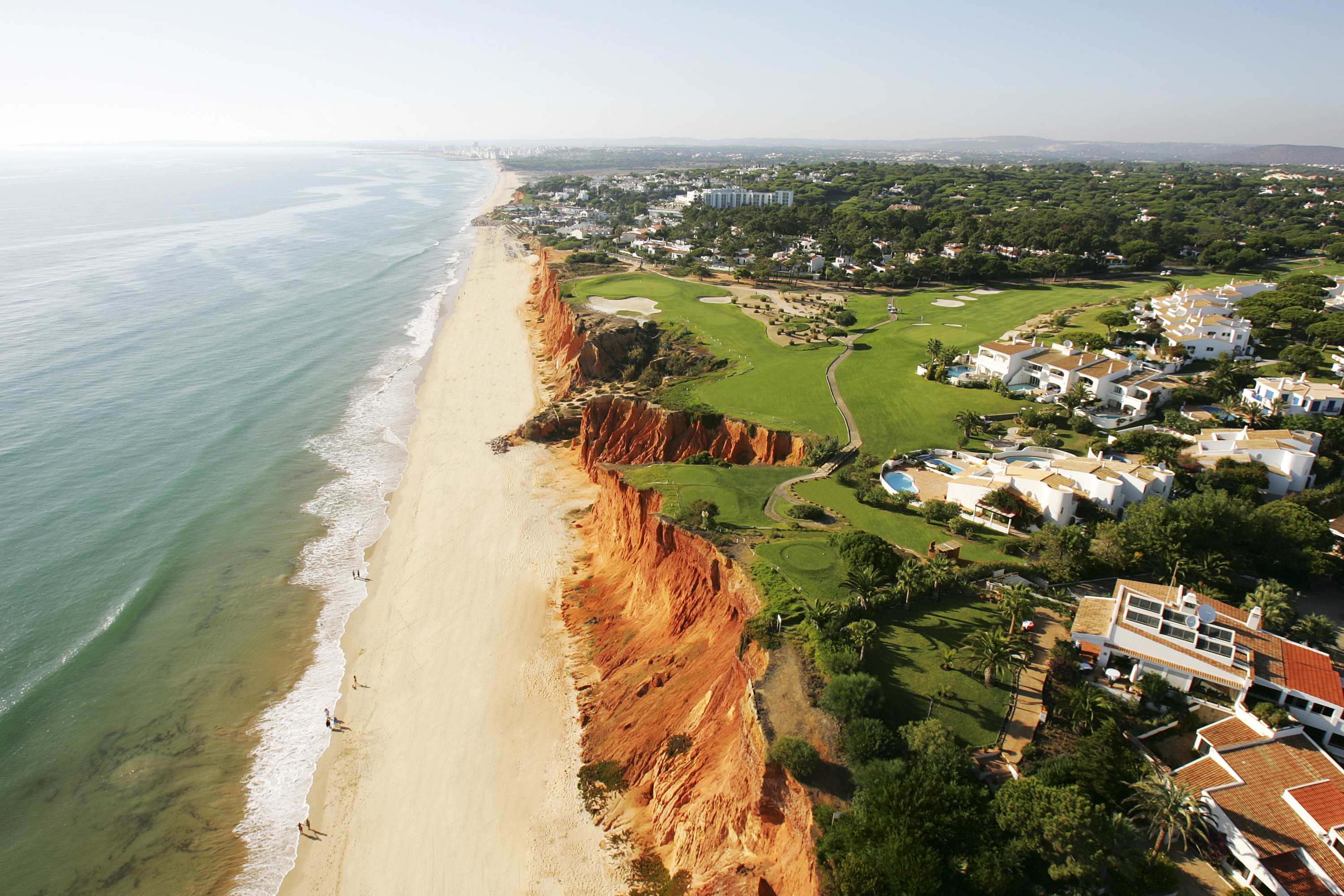 The signature 16th hole at Vale do Lobo's Royal course skirts the cliff edge