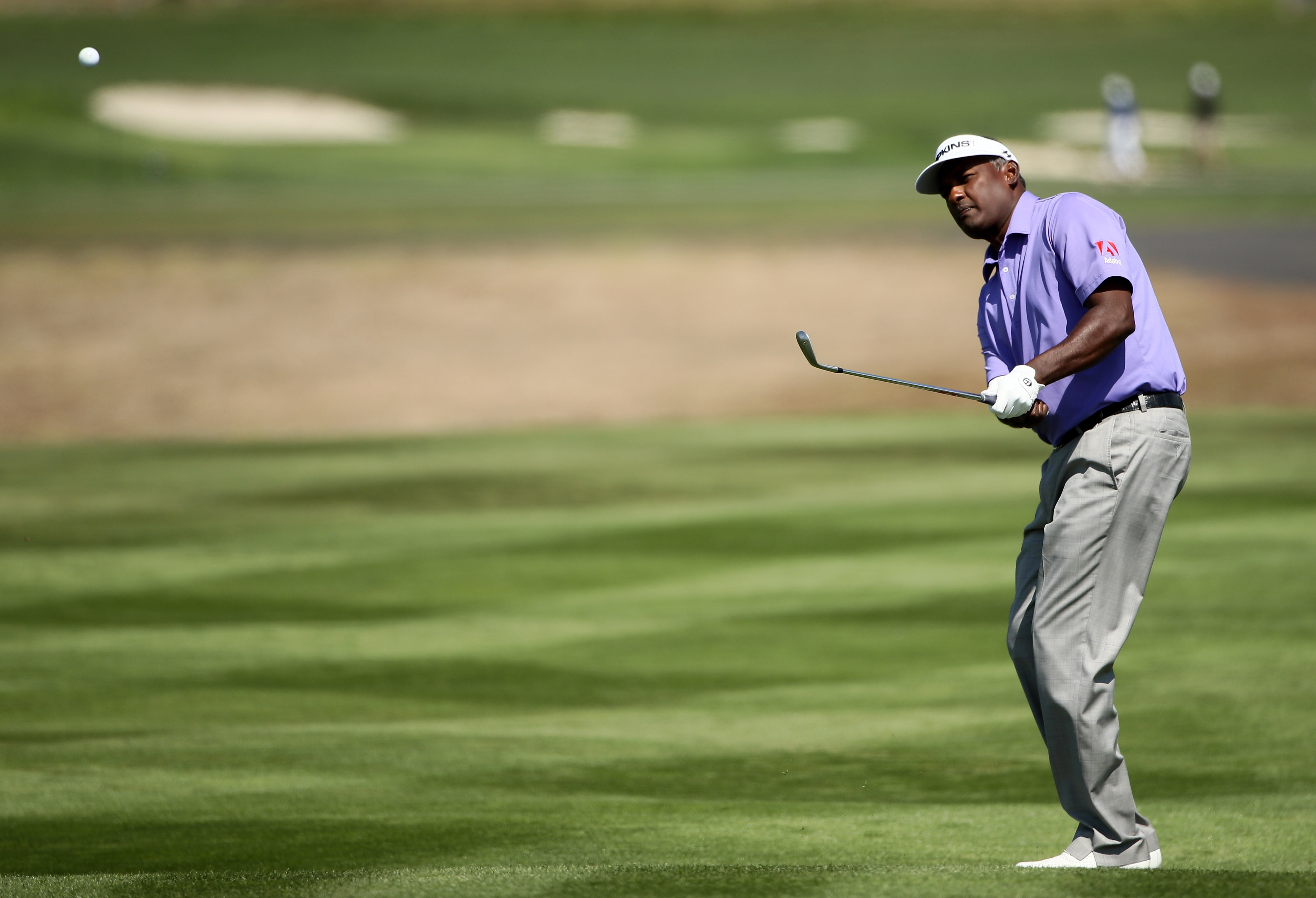 why going cross handed could transform your chipping
