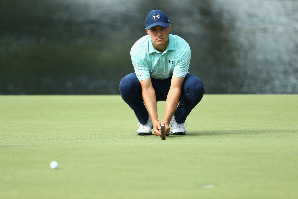How to tackle short breaking putts with the 'Five Tee Routine'
