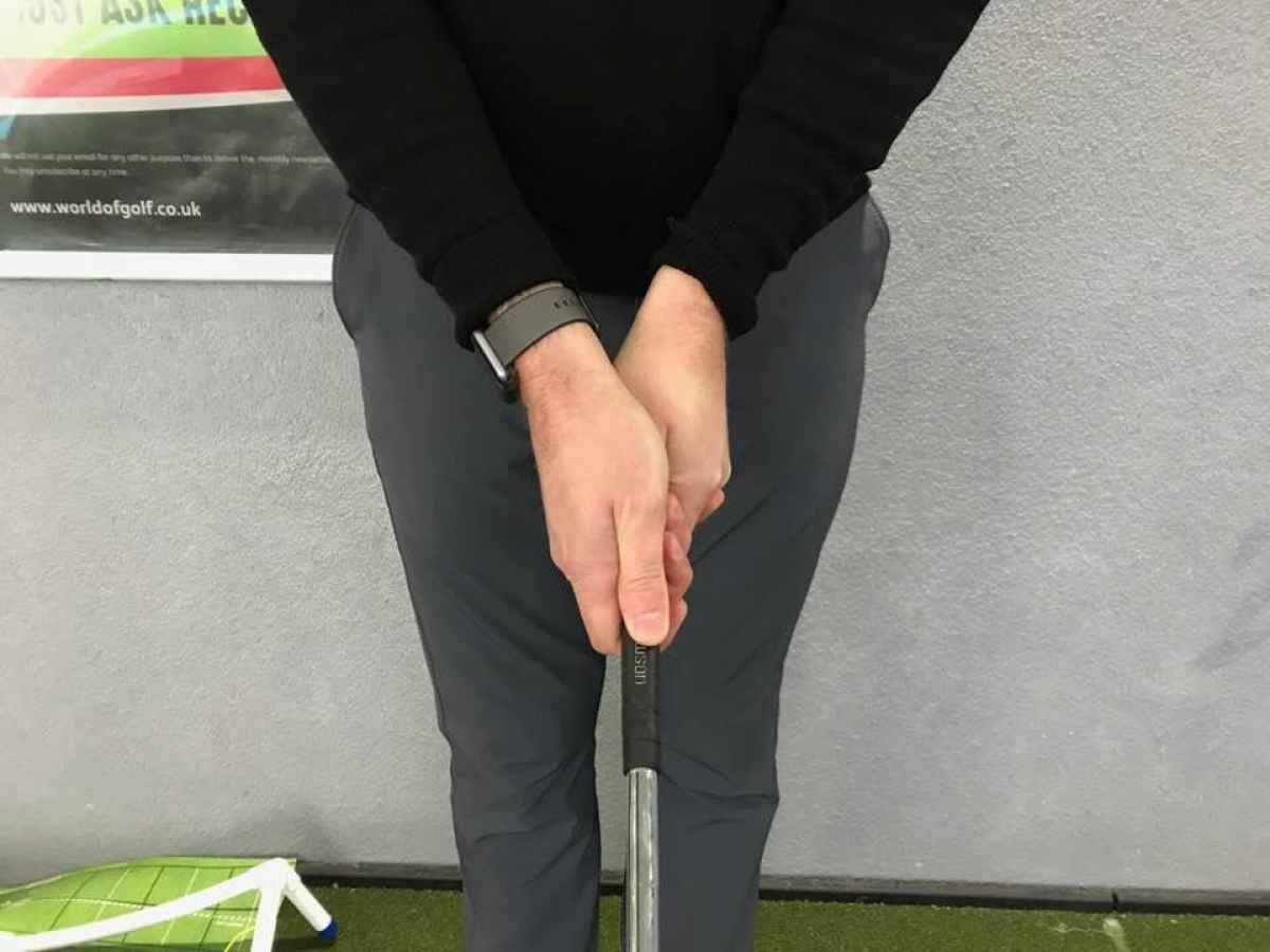 How to hold the putter: common putting grips and their pros and cons