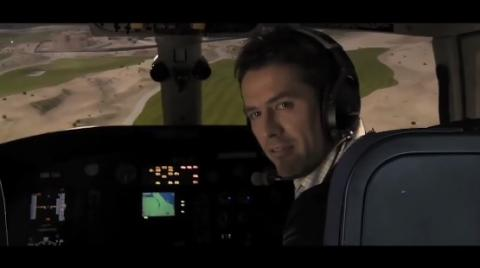 michael owen flys over els club dubai in a helicopter!