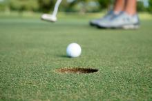 Golfer ties the lowest round of golf ever recorded