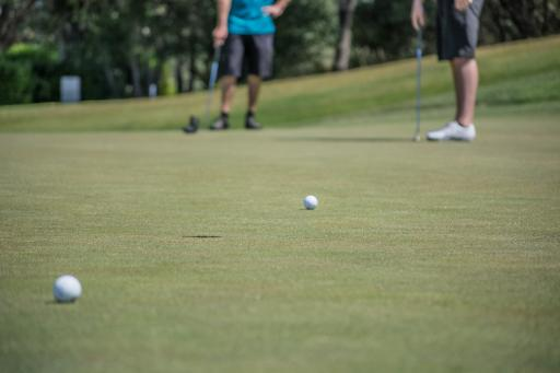 Golf ball mix-up causes chaos in college golf event