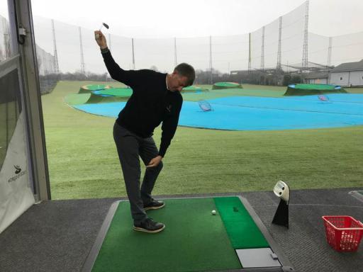 golf tips understanding good knee flex in the golf swing