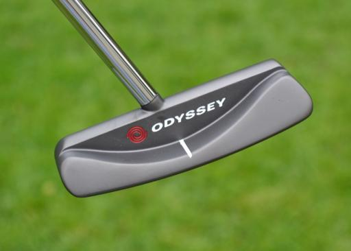 man tries to sell golf putter, gets crazy response